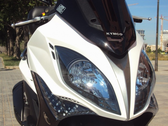venta-moto-ocasion-kymco-xciting-400-abs-frontal