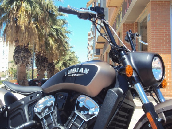 venta_moto_indian_scout_bobber_frontal_801333827