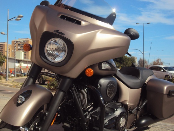 venta_moto_nueva_indian_chieftain_dark_horse_bronce_frontal