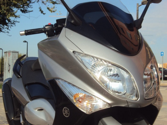 venta_moto_oasion_yamaha_t_max_500_abs_frontal
