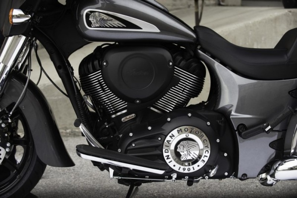 venta_motos_indian_chieftain_motor_lateral