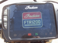 moto_nueva_indian_ftr_1200_s_pantalla